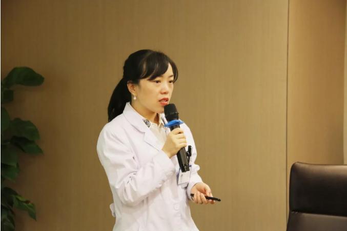 文燕副主任进行科普讲座